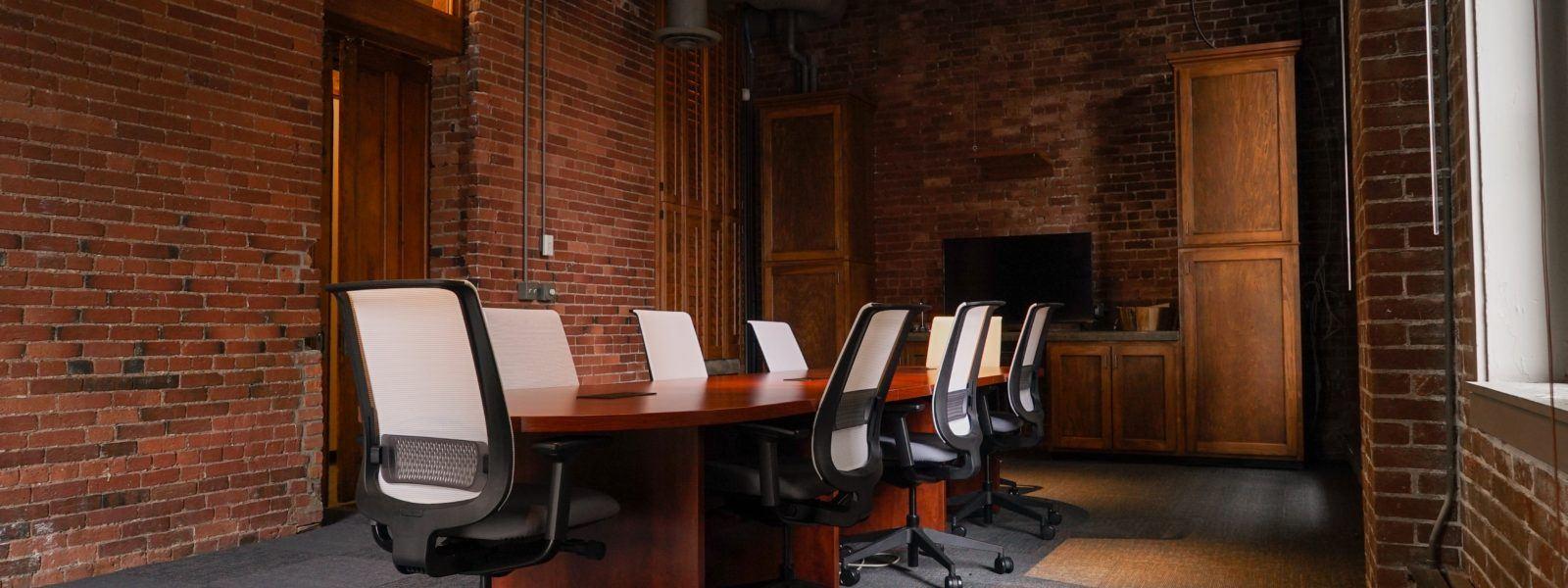 Speak Easy Boardroom